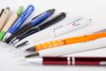 Propisky s potiskem a další psací potřeby